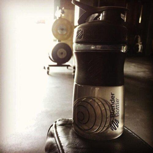 Спортивна пляшка-шейкер BlenderBottle SportMixer 20oz/590ml Black (ORIGINAL) фото 2