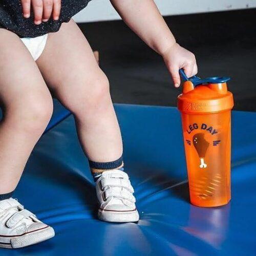 Шейкер спортивний BlenderBottle Classic Loop 28oz/820ml Special Edition Leg Day Orange (ORIGINAL) фото 3