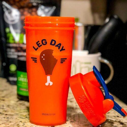 Шейкер спортивний BlenderBottle Classic Loop 28oz/820ml Special Edition Leg Day Orange (ORIGINAL) фото 5